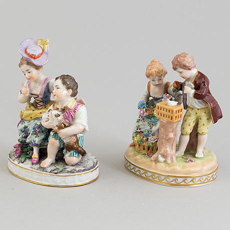 Figurgrupper, två stycken, porslin. tyskland, varav en potschappel, 1900-tal.