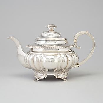 TEKANNA, silver, oklara stämplar, England, 1800-talets första hälft.