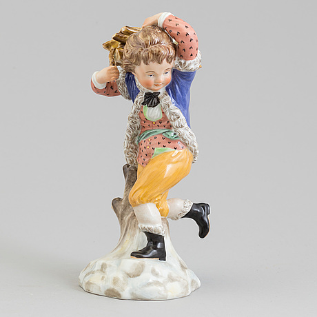 "Figurin, porslin. ""vinter"", royal copenhagen, danmark, 1940-tal."