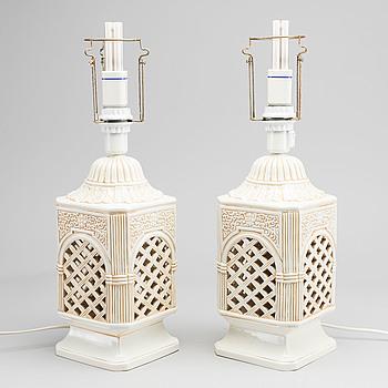 BORDSLAMPOR, ett par, keramik 1970-tal.