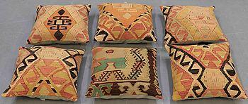 Six kelim pillows. 50 x 50 cm.