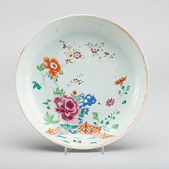 SKÅLFAT, porslin, Kina, Qianlong 1736-95.