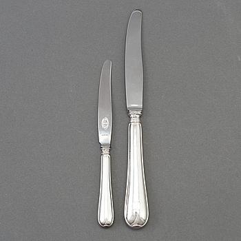 MATKNIVAR, 6 st samt FRUKTKNIVAR, 12 st, silver, svenska stämplar, 1940-tal.