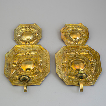 A pair of brass one-light wall sconces, early 20th century.
