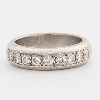 RING, med briljantslipade diamanter ca 0.90 ct. Stjernswärd, Stockholm.