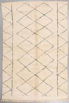 MATTA, Marocko, ca 308 x 200 cm.