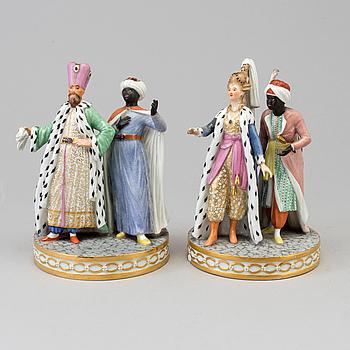 FIGURGRUPPER, två stycken, porslin. Troligen Royal Copenhagen, 1800-talets slut.