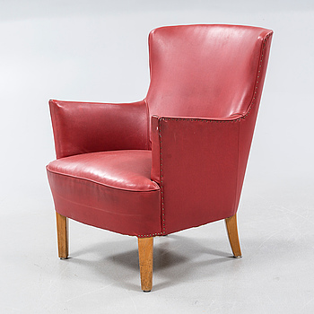 A 1950s lounge chair.