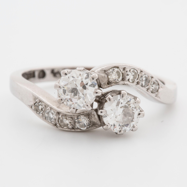A Toi Et Moi Ring With Old Cut Diamonds Bukowskis