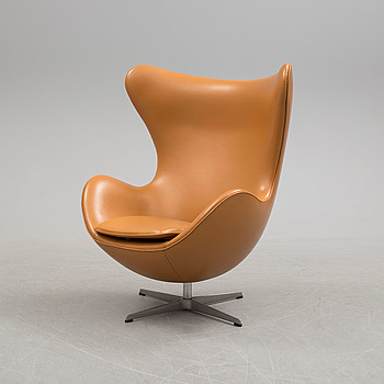 "A lounge chair by Arne Jacobsen for Fritz Hansen, model ""Ägget"", 2001."