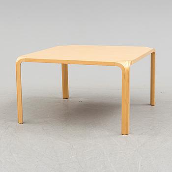 """ALVAR AALTO, A """"MX800B"""" sofa table, designed by Alvar Aalto for Artek, 20th century."""