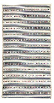 "301. Barbro Nilsson, MATTO, ""Blåbär, ljus"", tapestry weave, ca 381,5 x 202,5 cm, signed AB MMF BN."