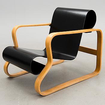 An armchair no 41, 'Paimio'.