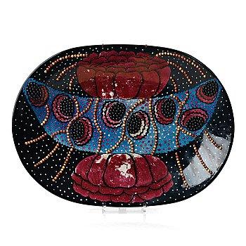 101. Birger Kaipiainen, a stoneware dish, Arabia, Finland.
