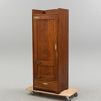 SKÅP, ek, jugend, tidigt 1900-tal.