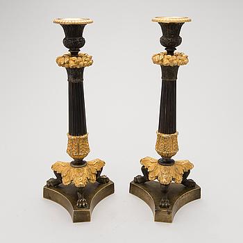 LJUSSTAKAR, ett par, brons, senempire, 1800-talets mitt.
