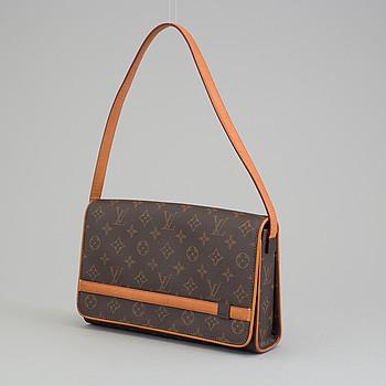 "LOUIS VUITTON, handväska, ""Tribeca Long""."