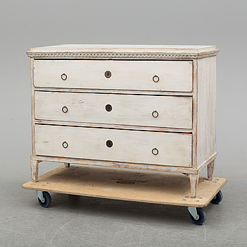 A painted pine provincial Gustavian chest of drawers, first half of the 19th Century.