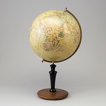 A globe, Svenska Bokhandelscentralen A.B:s Jordglob, Stockholm, first half of the 20th Century.