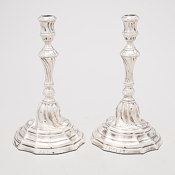 A PAIR OF SILVER 18TH CENTURY CANDLESTICKS, Louis XV.