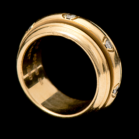A ring, brilliant cut diamonds, 18k gold. 'posession classic', piaget.