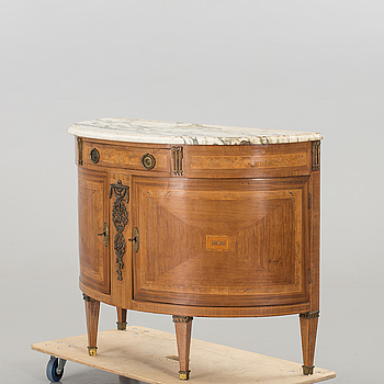 BYRÅ, Louis XVI-stil, 1900-tal.
