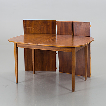 JOSEF FRANK, matbord, för Firma Svenskt Tenn, modell 947 1900-talets andra hälft.
