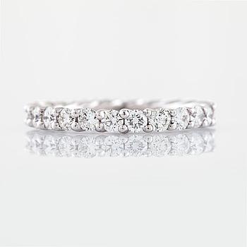 Ring briljantslipade diamanter.