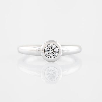 RING, with brilliant cut diamond.