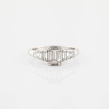 Ring baguetteslipade diamanter.