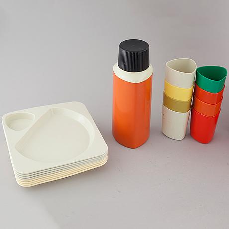 "A ""taffel"" plastic picnic set, designed by sigvard bernadotte and acton bjørn for husqvarna borstfabrik, 1960/70s."