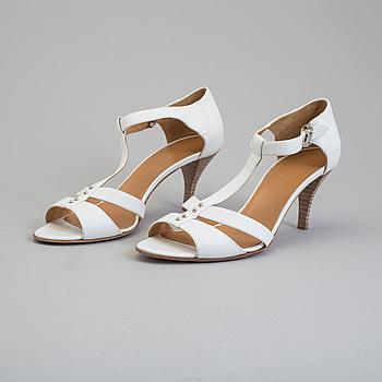 "SKOR/SLINGBACKS, ""Oriane"", Hermès, storlek 37,5."