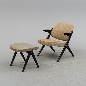 """BENGT RUDA, karmstol med FOTpall, """"Triva""""-serien, Nordiska Kompaniet, 1950/60-tal."""