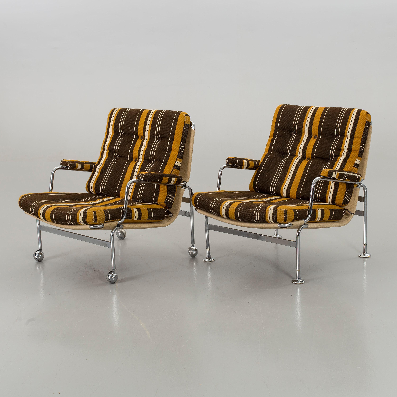 BRUNO MATHSSON, A Pair Of U0027Karinu0027 Fabric Upholstered Easy Chairs.    Bukowskis