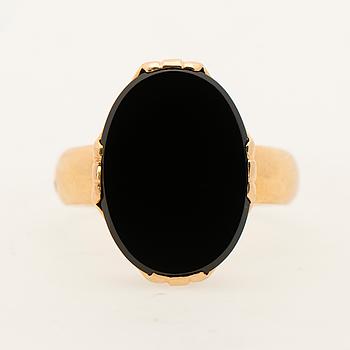RING, onyx, 18K guld.