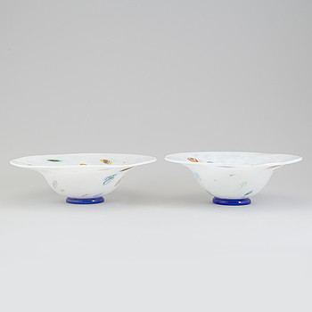 A pair of glas bowls from Johansfors, 1995.