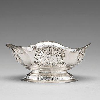 127. Konfektskål, silver, oidentifierad mästarstämpel, troligen Wiborg 1762, rokoko.
