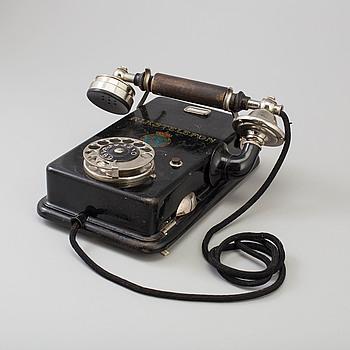 """VÄGGTELEFON, """"Rikstelefon"""", L.M Ericsson, Stockholm, 1900-talets början."""