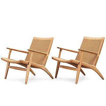"283. Hans J Wegner, a pair of oak ""CH-25"" armchairs, Carl Hansen & Son, Denmark."
