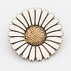 Brosch, daisy, georg jensen, sterling silver och vit emalj.
