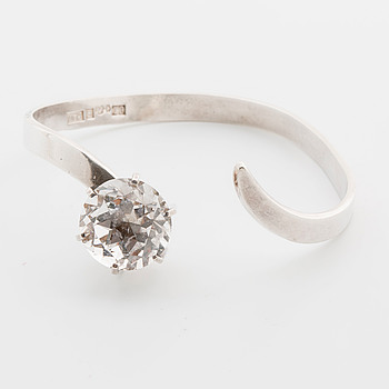 WALDEMAR JONSSON, armring, silver,   med bergkristall. Skara 1969.