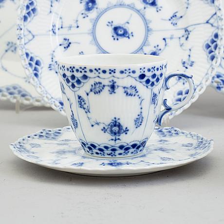 """Kaffeservis, 32 delar. porslin, """"musselmalet"""", royal copenhagen, danmark"""