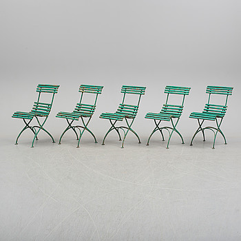Five collapsible garden chairs, early 20th Century.