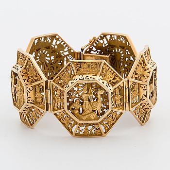 ARMBAND, 18K guld, Peru, 80,8 g. Arte Orfebre SA. Ind Peruana reg. 7789. Inca motiv.