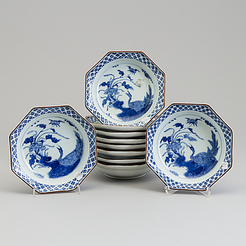 Ten Japanese porcelain deep dishes, late 19th century.