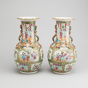 URNOR ett par Kina Kanton porslin sent 1800-tal.