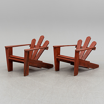 A pair of second half of the 20th century garden chairs.