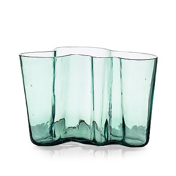 13. Alvar Aalto, a green tinted glass vase, Karhula, Finland ca 1937-49, model 9750.