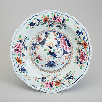 BUCKELFAT, kompaniporslin. Qingdynastin, Qianlong (1736-95).
