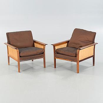 FÅTÖLJER, ett par, Vatne möbler, Norge, 1900-talets tredje kvartal.